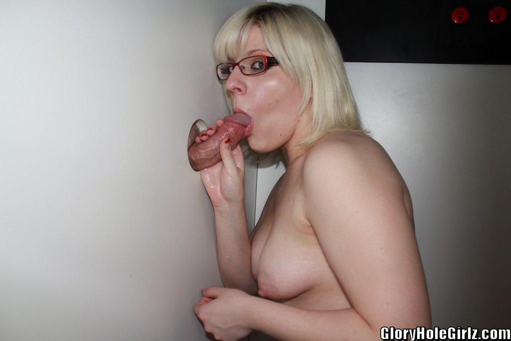 Mommy Www gloryhole girlz